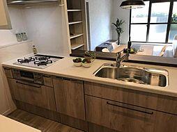 食洗器や浄水器付きのオリジナルキッチンです