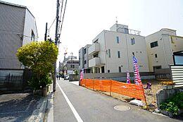 前面道路含む現地    建物の参考プランは数パターンご用意しております。ご入用の際はお気軽にお問い合わせください。
