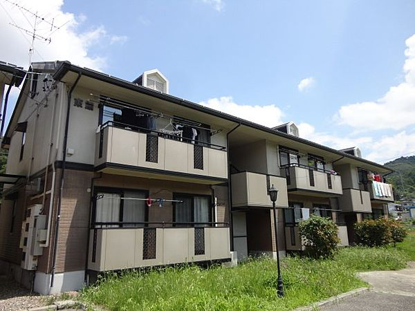 長野県佐久市平賀の賃貸アパートの外観