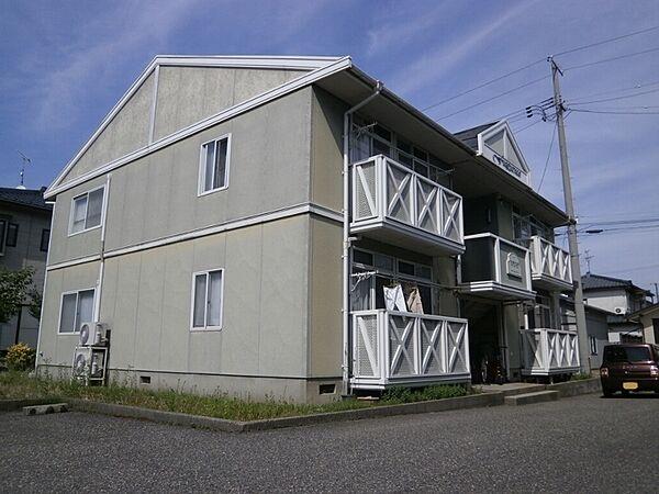 新潟県新発田市城北町2丁目の賃貸アパートの外観
