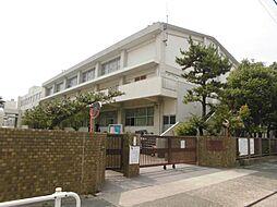 大江中学校まで徒歩約11分。