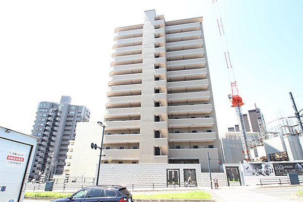 広島県広島市中区西白島町の賃貸マンションの外観