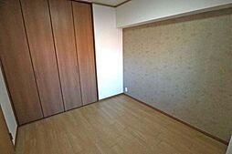 西側洋室5.2帖。