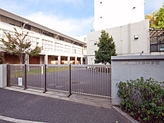 練馬区立大泉中学校 (約1170M)