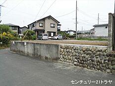 東側接道(平成29年7月下旬撮影)