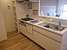キッチンは、お料理中も家族を身近に感じられる対面式です。,3LDK,面積73.42m2,価格1,899万円,JR京浜東北・根岸線 本郷台駅 徒歩8分,,神奈川県横浜市栄区桂町