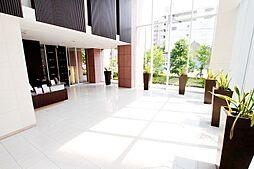 コンシェルジュサービス、ゲストルーム付きタワーマンションです。