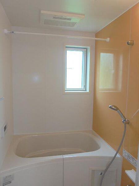 プレッソ 吉野ヶ里IIの窓付きの浴室