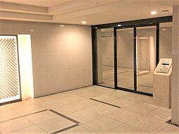 訪問営業や防犯対策になり安心感が高まるオートロックマンションです。