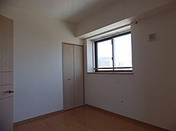 プロビデンス葵タワーの洋室