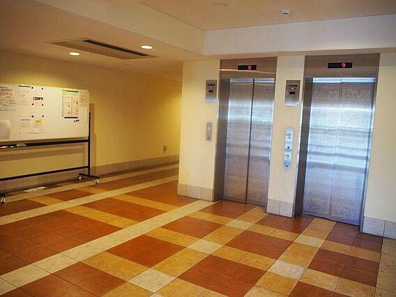 エレベーター。...