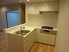 キッチン キッチンは、お料理の動線がスムーズなL字型のキッチンです。