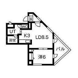 北海道札幌市豊平区豊平四条3丁目の賃貸マンションの間取り