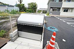 三重県桑名市大字和泉の賃貸アパートの外観