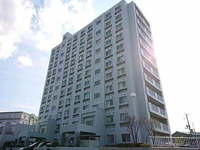 外観総戸数44戸のうち11階建の9階部分です。オートロック、モニター付きインターホン、宅配ボックス完備,3LDK,面積72.25m2,価格1,699万円,JR千歳線 白石駅 徒歩22分,,北海道札幌市白石区北郷四条1丁目1-10