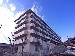グリ−ンピア東寝屋川[3階]の外観