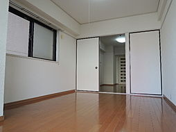 ライオンズマンション川崎貝塚[5階]の外観
