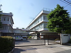 中学校立川市立第一中学校まで699m