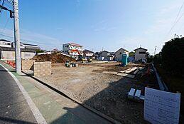 小岩エリアに新しく全15区画の街が誕生します日当たりのことも考えた区画となっております。(2017.10)