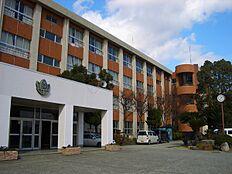 和歌山市立有功中学校まで2962m