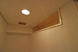トイレ上部の棚