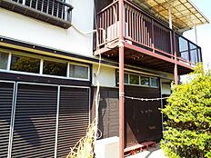 京王線「平山城址公園」駅まで徒歩圏の立地です。