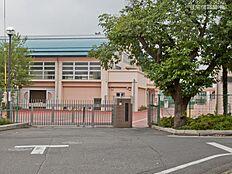 八王子市立第六中学校 距離640m