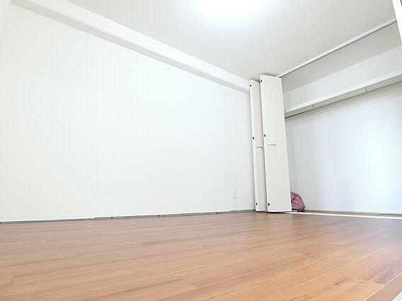 洋室5.3畳-...