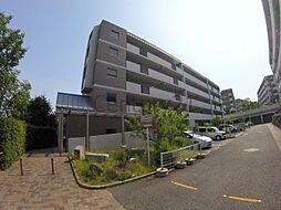 大阪府池田市五月丘3丁目の賃貸マンションの外観