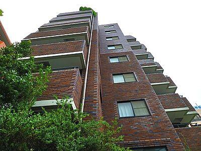それぞれが思い描く理想の「ライフスタイル」や「ライフステージ」を実現するため、住む人がいつまでも心地良さを感じ続けられる多様な住空間を創造します。,2LDK,面積56.47m2,価格6,499万円,JR山手線 渋谷駅 徒歩6分,東京メトロ銀座線 表参道駅 徒歩12分,東京都渋谷区渋谷3丁目2-11
