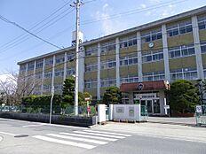 中学校氷丘中学校まで937m