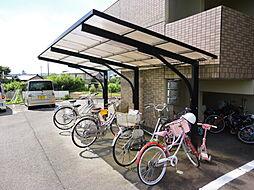 岐阜県加茂郡川辺町西栃井の賃貸マンションの外観