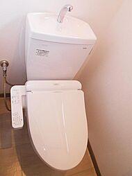 1階トイレは新品交換済みです。