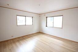2階の居室はすべて、6帖以上で2面採光です