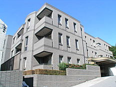 京浜東北線「大森」駅徒歩8分、スタイリッシュな外観のマンション