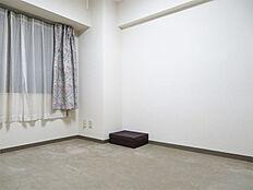 納戸 寝室としてもお使いいただけま