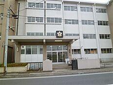 土浦市立土浦第一中学校(1064m)