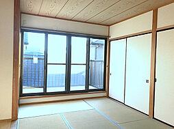 2F南西側和室。こだわりの広縁があり趣のある居室です。(1)