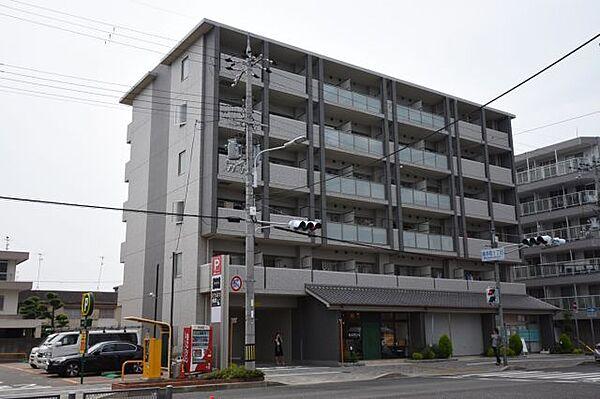 兵庫県伊丹市南本町2丁目の賃貸マンションの外観
