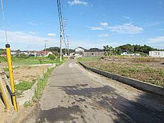 敷地北側の4.5m公道、1号地及び2号地前面