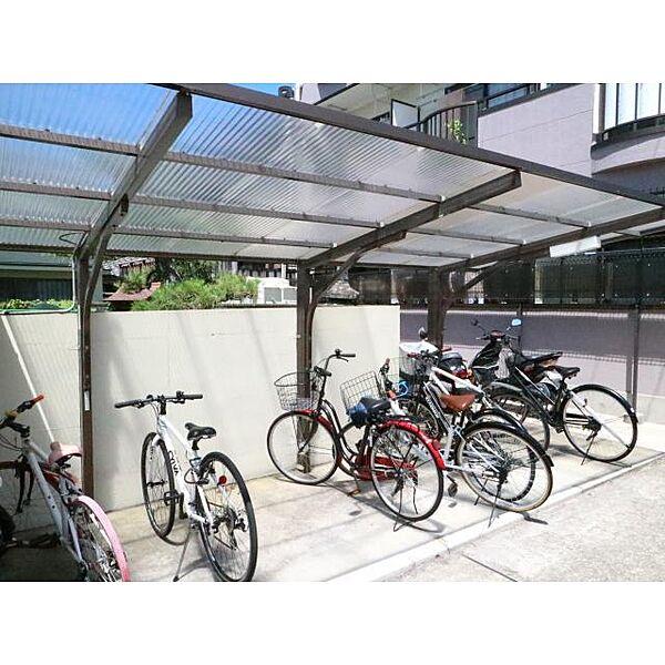奈良県奈良市薬師堂町の賃貸マンションの外観