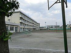 日野市立平山中学校まで1842m