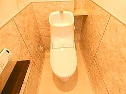 ウォシュレット付トイレ、リフォーム済で清潔感があります。