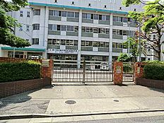 加賀中学校…徒歩4分/250m