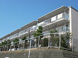 広いバルコニー付の3LDKマンション。高根台住宅[D棟102号室]の外観