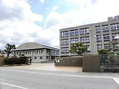 平岡南中学校