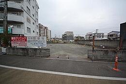 現在は駐車場です。現地(2017年1月28日)撮影