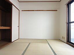 エクレール高辻の和室