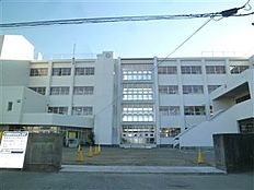 土浦市立土浦第二中学校(2155m)
