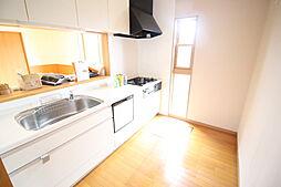 キッチン 窓があり明るいキッチンです。 床下収納、食器洗浄機付きで設備も充実 お問い合わせ ハウスドゥ岩倉師勝店